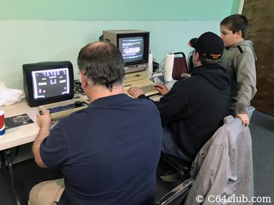 Atari Video Pinball Pong unit (Model C-380), Apple IIe - Commodore Computer Club