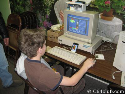 Amiga 1000 and Mario Bros. - Commodore Computer Club
