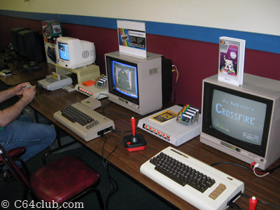 Vectrex consoles, Nintendo Super Famicom, C64 and VIC-20 - Commodore Computer Club