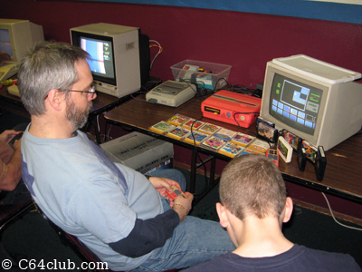 Tommy and Ian with Sharp Twin Famicom AN-505 - Commodore Computer Club