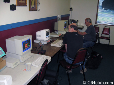 C64, Apple IIgs, Apple IIe - Commodore Computer Club