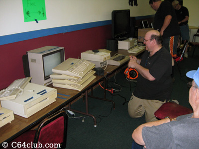 Lots of C128 machines - Commodore Computer Club
