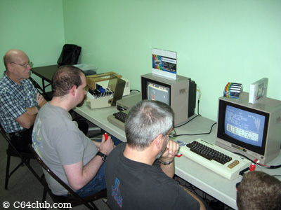 Playing C64 games - Commodore Computer Club