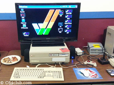Amiga 2000 - Commodore Computer Club