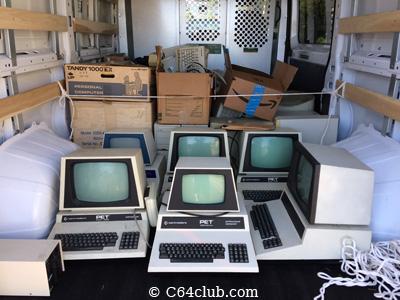 Piles Commodore PET Computer Stuff - Commodore Computer Club